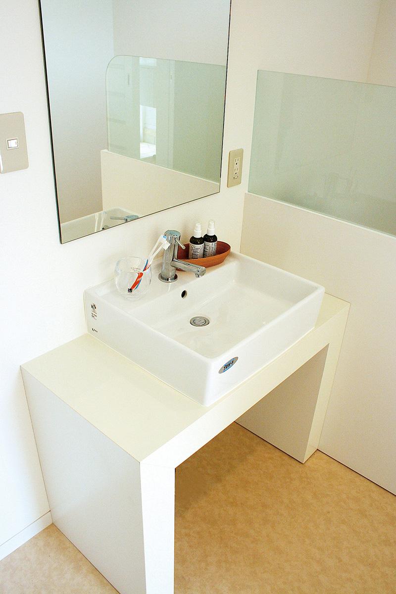 横浜市戸塚区の洗面所のクリーニング|ハウスエイト
